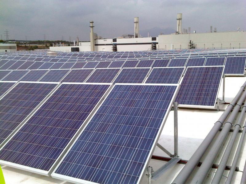 Punts de recàrrega de vehicles elèctrics i instal·lacions fotovoltaiques per l'autoconsum